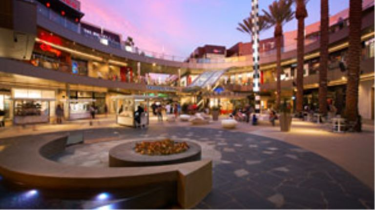 Santa Monica Place Center court