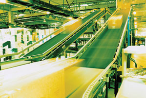 conveyor belt with packages